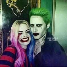 Harley Quinn and Joker Dc Costumes, Couple Halloween Costumes, Costume Ideas, Joker Halloween, Halloween Makeup, Halloween Stuff, Arley Queen, Joker Makeup, Sfx Makeup