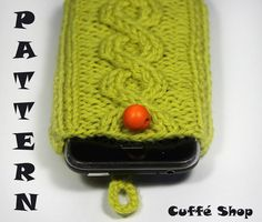 cute! Crochet Phone Cover, Coffee Shop, Knit Crochet, Iphone, Knitting, Unique Jewelry, Handmade Gifts, Etsy, Ideas
