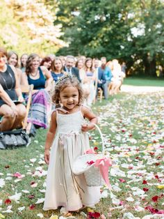 This cutie just gave us 100 reasons to smile! http://www.stylemepretty.com/2015/11/16/sweet-summer-garden-wedding/   Photography: Nina and Wes - http://ninaandwes.com/