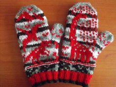 Ravelry: Dinosaur chart pattern by Sandra Jäger Knitting Charts, Knitting Socks, Knitting Patterns Free, Free Knitting, Free Pattern, Knitted Mittens Pattern, Crochet Mittens, Fingerless Mittens, Dinosaur Hat