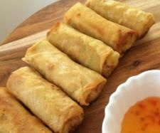"Recipe Thai Spring Rolls ""Poh Pia"" by Thermomix, learn to make this recipe easily in your kitchen machine and discover other Thermomix recipes in Starters. Spring Roll Pastry, Thai Spring Rolls, Baked Spring Rolls, Bellini Recipe, Savory Snacks, Appetisers, Tapas, Empanadas, Light Recipes"