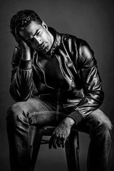 Men's leather jackets really are a crucial component to every single man's set of clothes. Men will need jackets for several activities and several climate conditions. Men's Jacket Pic. Black Leather Biker Jacket, Denim Jacket Men, Leather Men, Denim Men, Black And White Man, Stylish Men, Biker Jackets, Leather Jackets, Denim Jackets