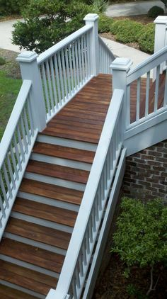 low pressure Washed painted and stained beutiful exotic Ipe decking! www.washsc.com