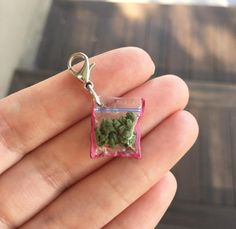 Handmade Mini hot chip bag charms ❤️️ You will receive 1 chip bag charm beautifully wrapped and packaged! 🎀 (Great collectible item or can make a great gift 🎁 ) Cute Jewelry, Jewelry Accessories, Car Interior Accessories, Weird Jewelry, Funky Jewelry, Bracelet Fil, Accesorios Casual, Accessoires Iphone, Charms