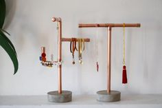 Concrete and copper jewelry stand Jewelry holder Jewelery organizer Necklace holder Necklaces stand- Ring tree Copper display stand - Diy Jewelry Holder, Jewelry Stand, Diy Necklace Holder Stand, Jewelry Rack, Jewelry Armoire, Concrete Jewelry, Copper Jewelry, Copper Necklace, Diy Schmuck