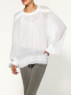 French Connection Fifi Fleur Blouse - Buy it here: https://www.lookmazing.com/products/show/1421063