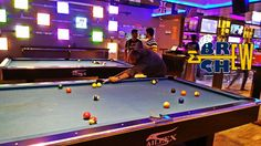 Underdoggs Sports Bar and Grill, Bangalore   Jayanth Dev Playing Game