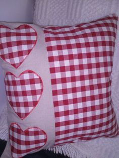 Check panel on back Sewing Pillows, Diy Pillows, Decorative Pillows, Throw Pillows, Cushions, Cushion Cover Designs, Cushion Covers, Pillow Covers, Quilt Patterns