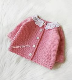 37 Easy Baby Knitting Patterns Everyone Can Do Knitted Baby Cardigan, Knitted Baby Clothes, Crochet Clothes, Easy Baby Knitting Patterns, Knitting For Kids, Baby Girl Dresses, Baby Dress, Knit Vest Pattern, Baby Models