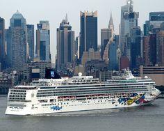 NORWEGIAN JEWEL Cruise Ship, Hudson River, New York City