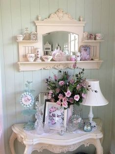 How To Make Shabby Chic Bedding out Shabby Chic Headboard, Shabby Cottage Chic Lamp Shabby Chic Interiors, Shabby Chic Living Room, Shabby Chic Bedrooms, Shabby Chic Homes, Shabby Cottage, Shabby Chic Furniture, Cottage Chic, Bedroom Furniture, Cottage Living
