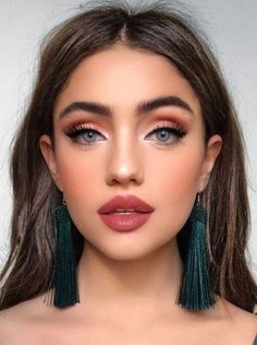 Hottest Makeup Looks to Try in 2019 - Page 36 of 39 - VimDecor natural makeup ideas; glam makeup looks; makeup looks for brown eyes; simple makeup looks. glam makeup looks; makeup looks for brown eyes; simple makeup looks. Makeup Looks For Brown Eyes, Simple Makeup Looks, Make Up Brown Eyes, Simple Eye Makeup, Brown Skin, Make Up Big Eyes, Makeup Simple Natural, Small Eyes Makeup, Pretty Makeup Looks