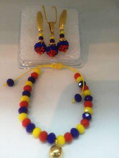 Juego de colombia Beaded Jewelry, Beaded Necklace, Beaded Bracelets, Summer Jewelry, Crochet Motif, Jewelry Sets, Jewerly, Earrings, Ideas