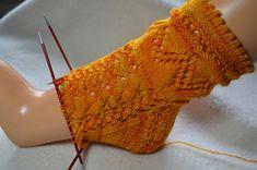 Ravelry: Aquaso Socks pattern by Isabella Zipperer