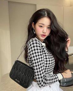 Korean Girl, Asian Girl, Selfies, Cute Girls, Cool Girl, Miuccia Prada, Julia, Ulzzang Girl, Japanese Girl