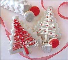 Inspiration Picture of Christmas Cookies ~Lizy B: Homespun Christmas Tree Cookie Christmas Tree Cookies, Iced Cookies, Christmas Sweets, Cute Cookies, Christmas Cooking, Noel Christmas, Christmas Goodies, Holiday Cookies, Holiday Treats