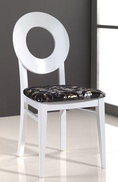 Sedia in legno di Faggio personalizzabile nel tessuto e nel colore.  #interiordesign #sediemoderne #arredamentomoderno #sedieinlegno #sedieetavoli  Art.5314 | Sedie e Tavoli