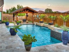A Geometric pool design can be contemporary, classic or traditional. The sleek and straight lines of this timeless style pool gives the space a formal feel. Raised walls with sheer descents, scuppers or other water features compliments the simplicity of t Backyard Pool Designs, Small Backyard Pools, Backyard Patio, Backyard Landscaping, Pool And Patio, Outdoor Pool, Pools For Small Yards, Small Inground Pool, Above Ground Pool Landscaping