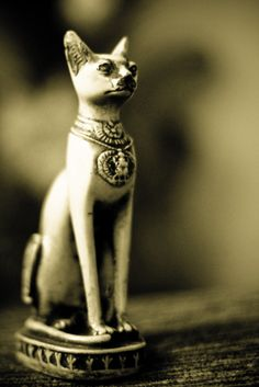 Cat Godess of Egypt. slight obsession since I was a young child. Egyptian Cat Goddess, Egyptian Cats, Egyptian Things, Ancient Art, Ancient Egypt, Cat Statue, Cat Colors, African History, Color Of Life