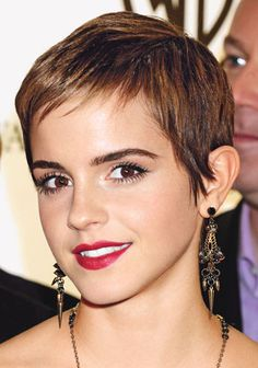 Emma Watson with an old-fashioned pixie haircut Pixie Haircut Gallery, Pixie Haircut For Round Faces, Round Face Haircuts, Short Pixie Haircuts, Pixie Hairstyles, Short Hairstyles For Women, Short Hair Cuts, Layered Haircuts, Long Haircuts