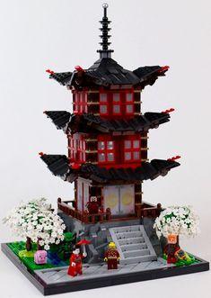 """""""塔 - Pagoda"""" by Gzu's Bricks: Pimped from Flickr Lego Ninjago City, Lego Memes, Lego Village, Lego Architecture, Chinese Architecture, Lego Kits, Lego Building Blocks, Lego Modular, Lego Castle"""