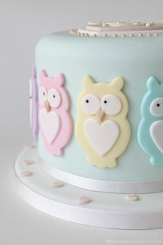 Owl Baby Shower @Erynn Elizabeth have a baby girl and I'll make you this cake for you're shower. :)