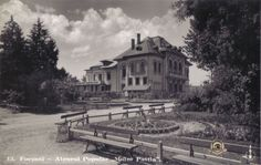 """Focsani - Ateneul """"Maior Gheorghe Pastia"""" intr-o vedere din 1938 editata de librarul focsanean Gh. D. Mircea Mansions, Country, House Styles, Pictures, Photos, Rural Area, Photo Illustration, Fancy Houses, Country Music"""
