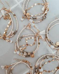 Handmade Jewelry Bracelets, Bijoux Diy, Earrings Handmade, Beaded Bracelets, Stylish Jewelry, Cute Jewelry, Jewelry Shop, Diy Jewelry, Bead Jewellery