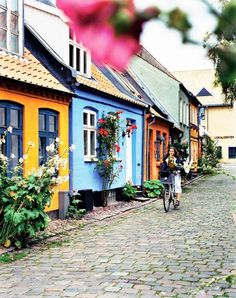Dinamarca-Mollestien Lane, Aarhus - Would love to see Aarhus on our next trip to Denmark! Aarhus, Places Around The World, Oh The Places You'll Go, Places To Travel, Places To Visit, Bósnia E Herzegovina, Denmark Travel, Visit Denmark, Denmark Europe