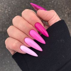 Semi-permanent varnish, false nails, patches: which manicure to choose? - My Nails Pink Acrylic Nails, Acrylic Nail Designs, Pink Stiletto Nails, Bright Summer Acrylic Nails, Hot Pink Nails, Pink Ombre Nails, Pink Nail Designs, Aycrlic Nails, Swag Nails