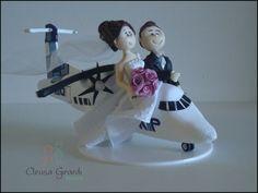 casal no avião (avião de biscuit) adoram viajar. cód: N305