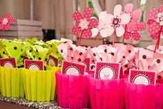 Tema: Passarinhos coloridos - Dicas pra Mamãe