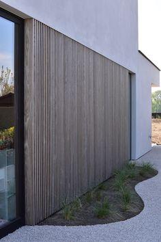 Larch Cladding, Interior Cladding, Wooden Facade, Modern Villa Design, Timber Buildings, Dream House Exterior, Australian Homes, Facade Design, Architecture Details