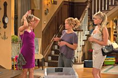 fuller house episode 3 kimmy dj stephanie.,,She wolf pack is back!!