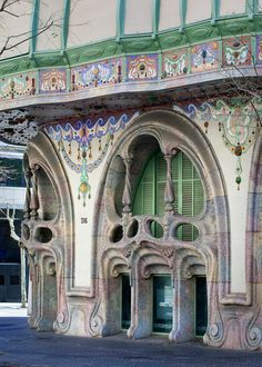 Casa Comalat | Barcelona, Spain | Salvador Valeri i Pupurull | by Pete Sieger Art Nouveau Architecture, Beautiful Architecture, Beautiful Buildings, Art And Architecture, Architecture Details, Art Deco, Art Nouveau Design, Unusual Buildings, Interesting Buildings