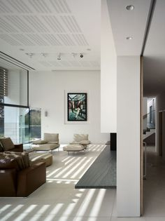 Contemporary One-Level Family House By Stephenson ISA Studio