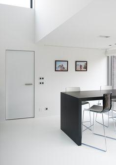 Moderne deuren zonder zichtbare omlijsting. http://www.anywaydoors.be