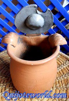 Figuras tamaño mediano Don #Quijote de #LaMancha. Figuras de cerámica, figuras de barro para la #decoración. Piezas elaboradas a mano por los mejores artesanos manchegos  Mira nuestro catálogo en: http://www.quijoteworld.com/quijote-decoraci%C3%B3n-tienda/figuras-medianas-decoraci%C3%B3n/cer%C3%A1mica/  O visitanos en: www.quijoteworld.com