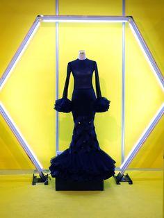 Victorian, Superhero, Dresses, Fashion, Flamingo Pattern, Carnations, Patterns, Vestidos, Moda