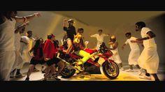 Live The Moment Promo Song – Kathai Thiraikathai Vasanam Iyakkam