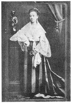 Leonora Rivera at age Dr. Jose Rizal's sweetheart who became model for the Maria Clara character in Noli Me Tangere, was born in Camiling, Tarlac on April Filipino Art, Filipino Culture, Old Photos, Vintage Photos, University Of Santo Tomas, Philippines Culture, Philippines Fashion, Jose Rizal, Noli Me Tangere