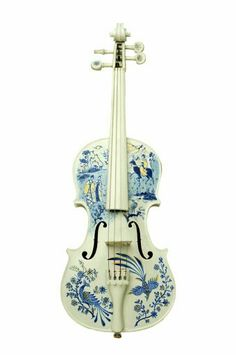 Are you in love with music, but aren't able to play any instruments? It doesn't matter how old you are, music can still be learn Piano Y Violin, Violin Art, Violin Sheet Music, Violin Painting, Cool Violins, Mundo Musical, Electric Violin, Electric Guitars, Violin Lessons