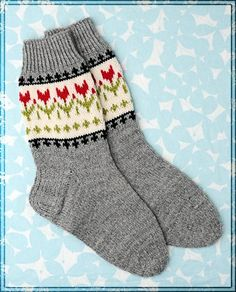 On tulppaanien aika Fair Isle Knitting, Knitting Socks, Knitting Designs, Knitting Projects, Mitten Gloves, Mittens, Stocking Tights, Wool Socks, Stockings