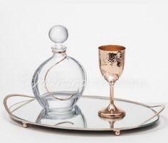 Σετ γάμου ροζ χρυσό,Σετ κουμπάρου ροζ χρυσό ποτήρι επάργυρο σφυρήλατο ,δίσκος καθρέπτης 2105157506 Wine Decanter, Barware, Wedding Planning, Wine Carafe, Bar Accessories, Planning A Wedding, Drinkware