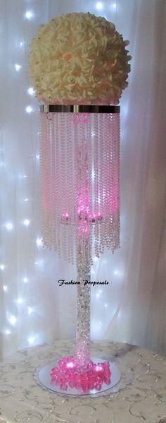 20 Table top chandelier Wedding centerpiece 1 por FashionProposals
