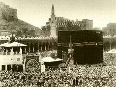 Old photo of the haj taken in 1880