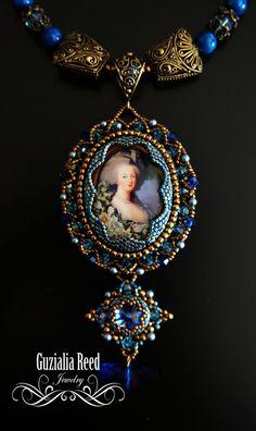 RISERVATI. Marie Antoinette di GuzialiaReedJewelry su Etsy