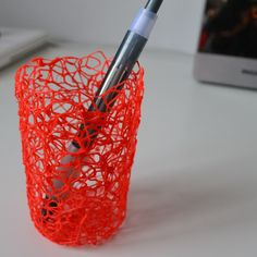 Attractive color for an elegant pen holder, to never loose your pens. Hand-made using 3D printing pen.