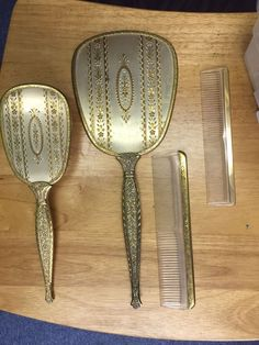 Beautiful VINTAGE 3 PC VANITY SET – BRUSH, COMB AND HAND MIRROR + extra comb