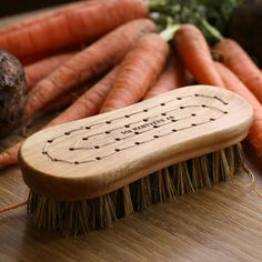 This vegetable brush is handmade from birch wood. Perfect for scrubbing muddy carrots and potatoes. And eco friendly too. Carrots And Potatoes, Garden Gifts, Eco Friendly, Dishes, Vegetables, Wood, Birch, Dry Goods, Confirmation